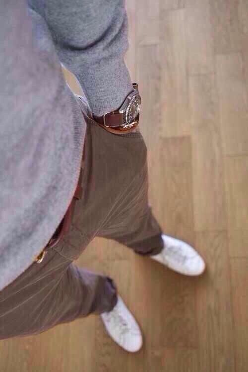 Casual outfit for men.
