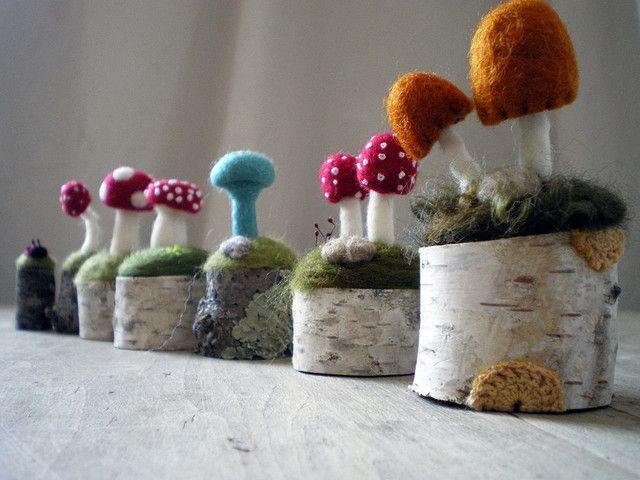 champignon en laine sur une souche