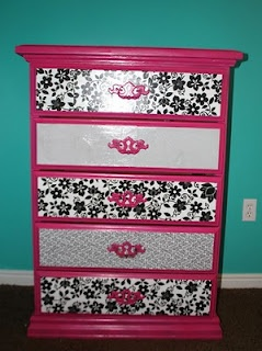 This is similar to what I have planned for my vanity, but black paint and black/pink/white drawer fronts.