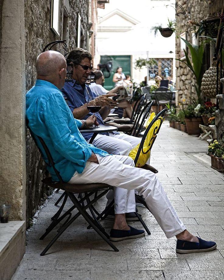 Wine  #igerscroatia #igershrvatska #croatia #hrvatska #zadar #igerszadar #ig_europe #ig_shotz #vscocam #vscoeurope #vsco #instadaily #photooftheday #instagramers #instagood #pizza #street #streetphotography #canon #fotografiauliczna #ulica #chorwacja #wino #wine