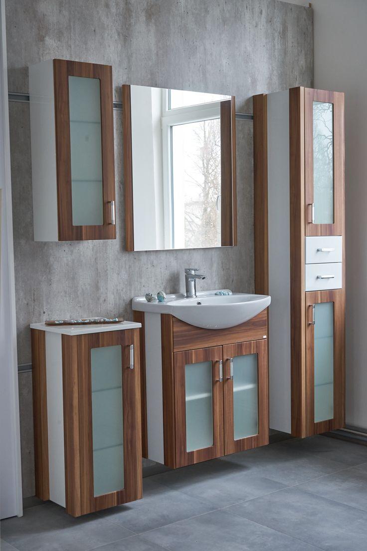 Koupelnový interiér - skříňky pod umyvadlo a samostatné skříňky do koupelny Dřevojas