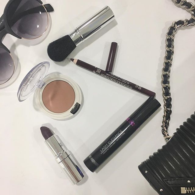 Here is the Wednesday's must have make up army!  #seventeencosmetics #makeup #musthave #beautyproducts #theartofbeauty