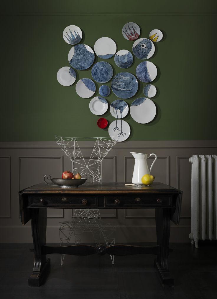Oeuvre d'Art...de la table ! Avec Coco Wall Plates sur http://www.utileetfutile.fr/bertille-carpentier-et-martial-dumas/1082-vaisselier-mural-the-coco-wall-plates-de-non-sans-raison-chez-utile-et-futile-.html, le service de table ne se range plus. Il se montre & s'expose aux regards tel une œuvre d'art. 100 % Made in France - Porcelaine de Limoges