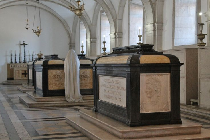 """This is the Pantheon of the House of Bragança (1640 to 1910 Dynasty), where all great Kings and Queens from Portugal´s history rest. Noteworthy are the tombs of King João IV, King Carlos, Prince Luis Filipe and Queen D. Amélia. Not forgetting D. Catarina de Bragança, Queen of England that started the """"English habit"""" of drinking Tea. For this you will have to go to the Church and Monastery of São Vicente de Fora…, one more location in Lisbon that sadly is little known and visited. #Lisbon…"""