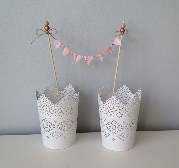 Cake topper ou pic d coratif banderole fanion boules en for Objet decoratif pour table