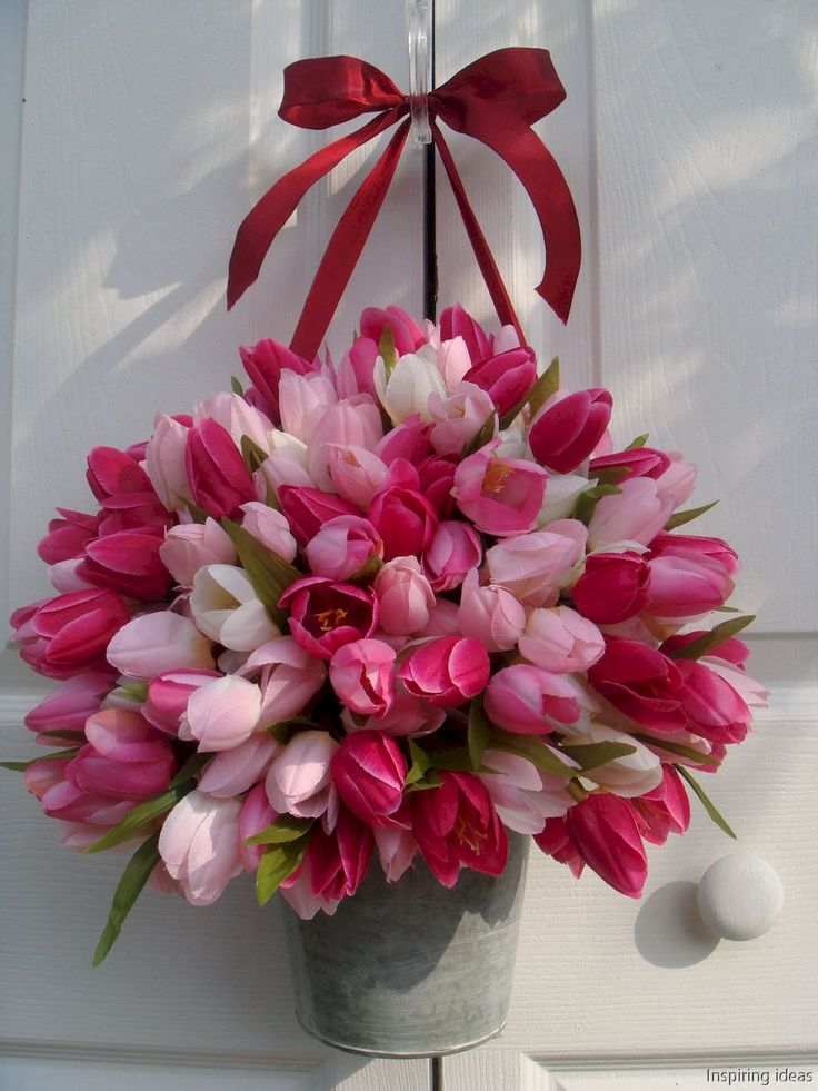 Nice 65 Awesome Valentine Wreaths Ideas for Front Door https://lovelyving.com/2017/12/06/65-awesome-valentine-wreaths-ideas-front-door/