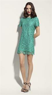 Vestido corto de encaje verde con manga corta