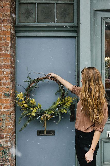 Outdoor wreath as winter decor #wreath #christmasdecor #entrance
