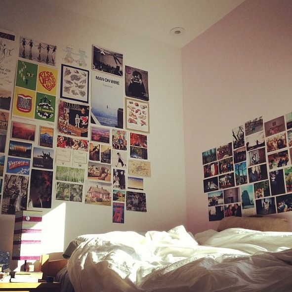 Photo wall collage college dorm picture idea friends for Bedroom picture ideas