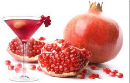 Rosolio di melograno / Pomegranate liquor
