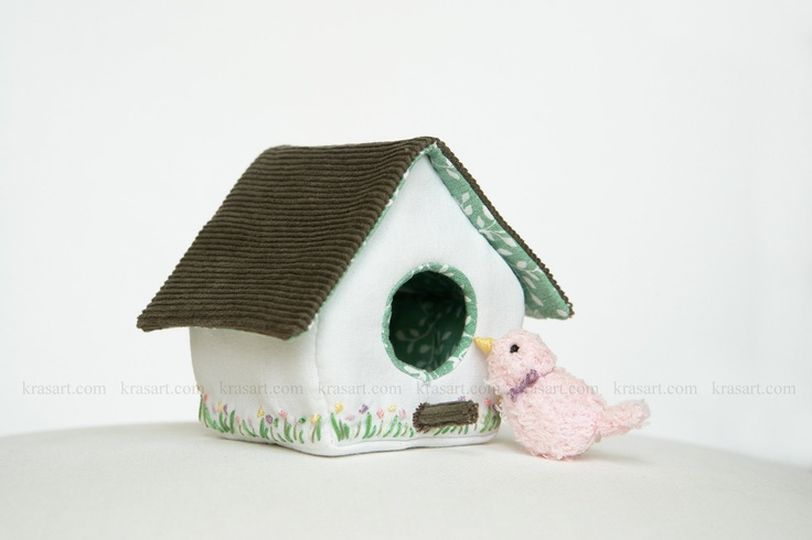 diy fabric toy tutorial- birdhouse and bird