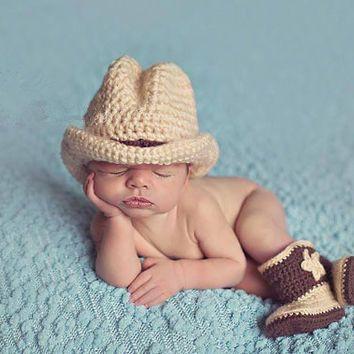 Вязания крючком младенца Ковбойские шляпы и сапоги установить костюмы Далласские Ковбои шляпа новорожденный фотографии реквизита наряды аксессуары