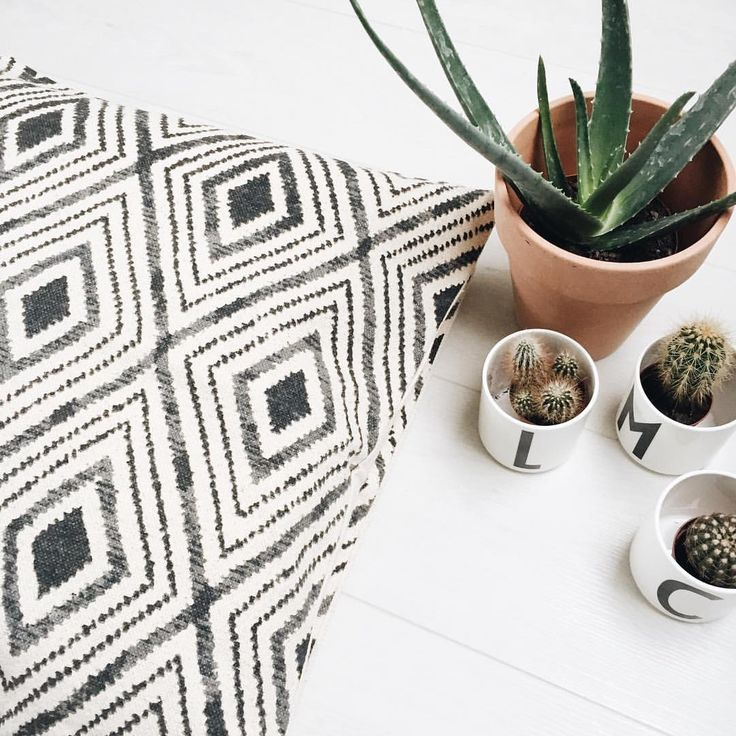 H&M home cushions and design letters mugs @lamemechoseblog