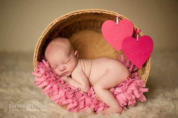 baby baby-photos @Lauren Hamlet you could do Shamrocks instead of hearts since Aunaleigh is due around St. Patty's Day!