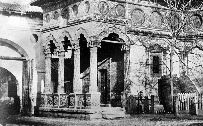 Stavropoleos Church around 1856, Bucharest, photo by Ludwig Angerer