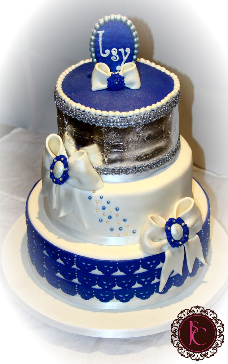 Wedding cake royal blue, white and silver