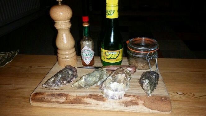 Oysters with condiments