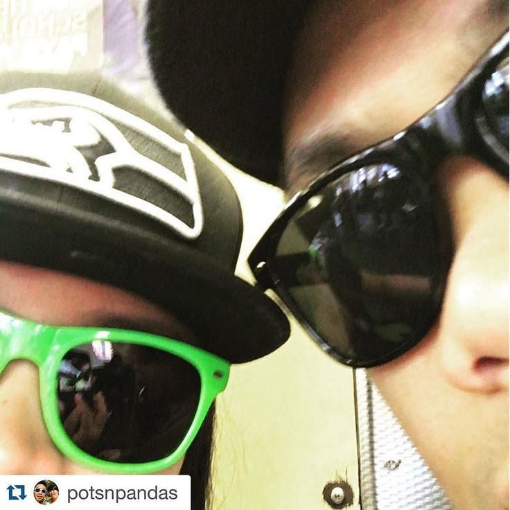 Shout out from the east coast! Getting game day ready with our exclusive townie shades! Still some available so get your at our site. Link in bio #raincitybox #Repost @potsnpandas with @repostapp.  #subwayshadegame #nycmykpz by raincitybox