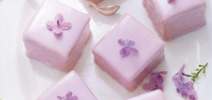 Crystallized Lilac Petits Fours (http://www.ricardocuisine.com/recipes/4709-crystallized-lilac-petits-fours).