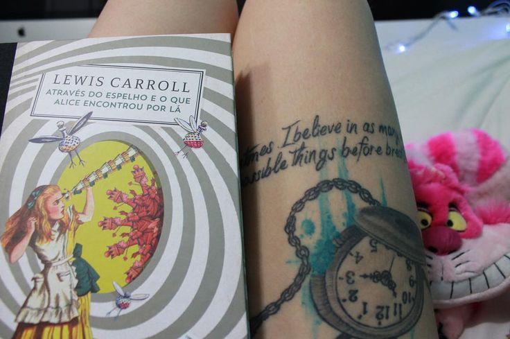 """50 curtidas, 2 comentários - Steh Barbosa (@steh_b) no Instagram: """"Alice no país das maravilhas e Através do espelho e o que Alice encontrou por lá - Lewis Carroll -…"""""""