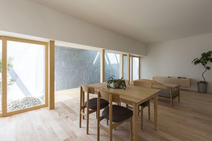 Gallery of Kusatsu House / ALTS Design Office - 4
