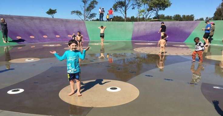 There are fantastic local playgrounds with water features dotted around Sydney for loads of FREE fun in the sun. Here are our Ellaslist's TOP 5 picks your little tyke will love.
