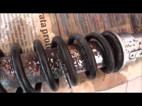 Como remover ferrugem sem usar produtos quimico ( eletrólise ) - YouTube