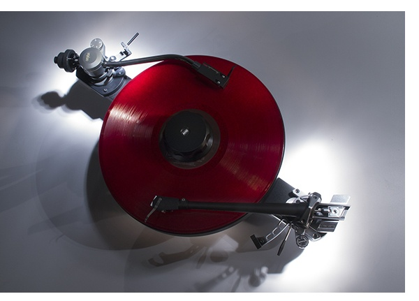 """""""AVID - Ingenium,Audiophile High End Turntable...And The Two Amazing Flying Saucers Have Joined Their Analog Superior Forces !...  http://about.me/Samissomar"""