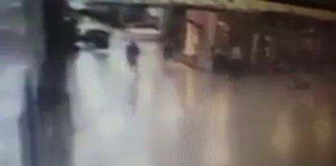 CCTV of policemen shot one of the 3 IST airport attackers before detonating himself http://ift.tt/292lnv2