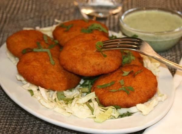Our #ChatSpecial #AlooTikki - Potato Patty served with chickpeas and Mint/Tamarind sauce!