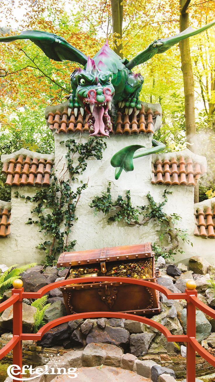 Wallpaper van de Vliegende Draak in het Sprookjesbos de Efteling. Leuk als achtergrond voor je telefoon!
