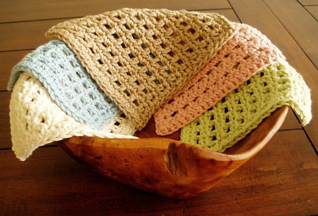 Waffle Crochet Dishcloth, free pattern by Kate Alvis. The holes not only give you more scrubbing power but also help the dishcloth to dry faster.