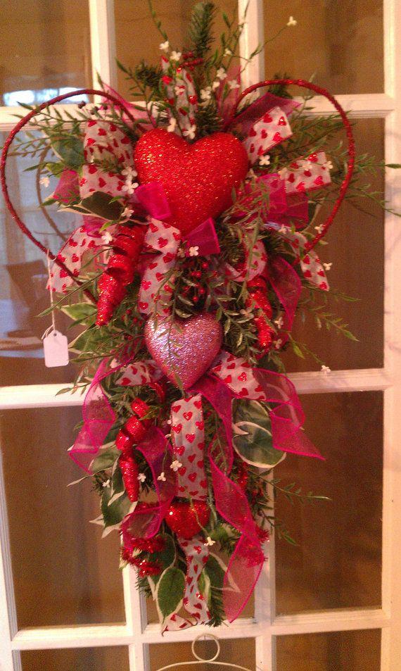 Valentines heart door wreath teardrop swag by TheCozyNestSC, $49.99