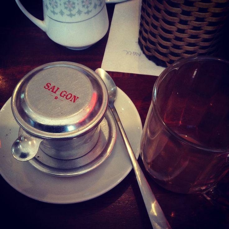 Знаменитый вьетнамский кофе со сгущенным молоком. Везде готовят его по разному. Но неизменен терпкий вкус