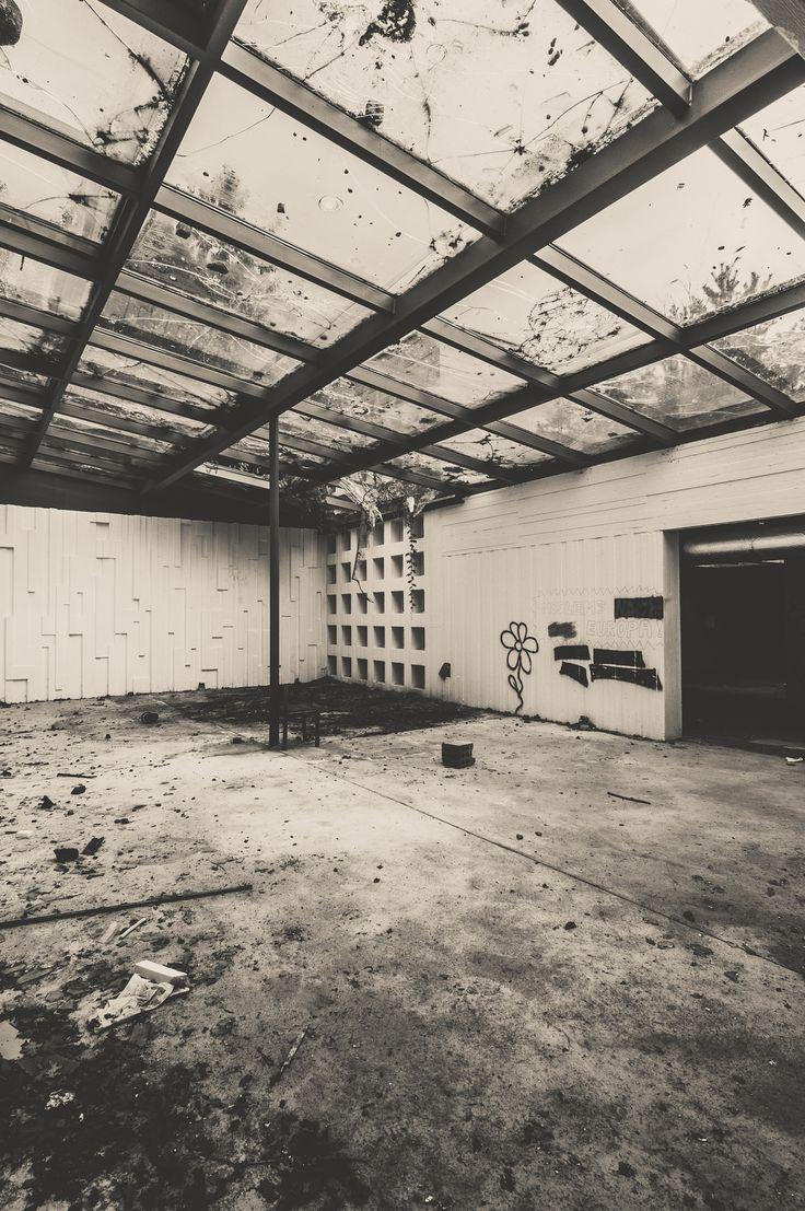 broken home II - abandoned sanatorium