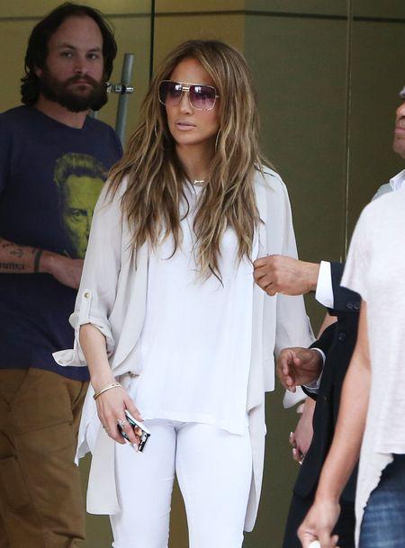 Jennifer Lopez dans les rues de Burbank, le 5 mars 2014