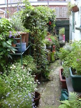 English terraced house backyard ideas google search for Terraced yard ideas