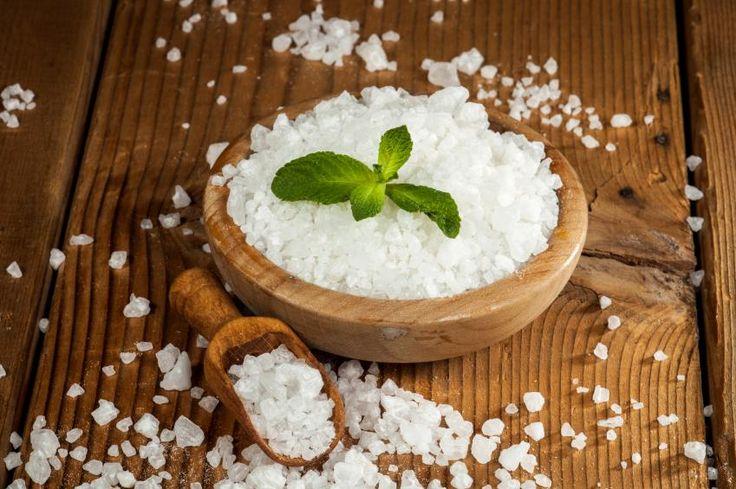 Las sales de Epsom son compuestos químicos que contienen sulfato y magnesio. Para que se reconozca como sal debe pasar por un proceso de hidratación. El origen de su nombre viene de Inglaterra, donde fue elaborada por primera vez. Las antiguas civilizaciones conocían las aguas minerales para extraer la sustancia conocida como epsomita. Sin embargo, …