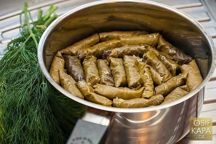 Παραδοσιακά Σπιτικά Ντολμαδάκια   Traditional Homemade Cretan Stuffed Vine Leaves#Ntolmadakia