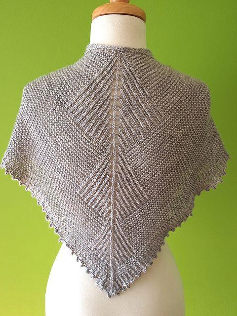 Free Pattern  Sharktooth shawl