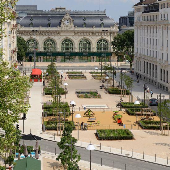 11 best images about espace public on pinterest trees for Place landscape architecture