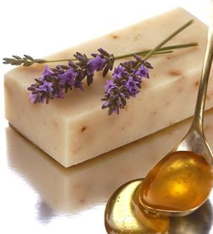Lavender Flowers Handmade Soap with Honey - Gourmet Soap Bar from Tasmania