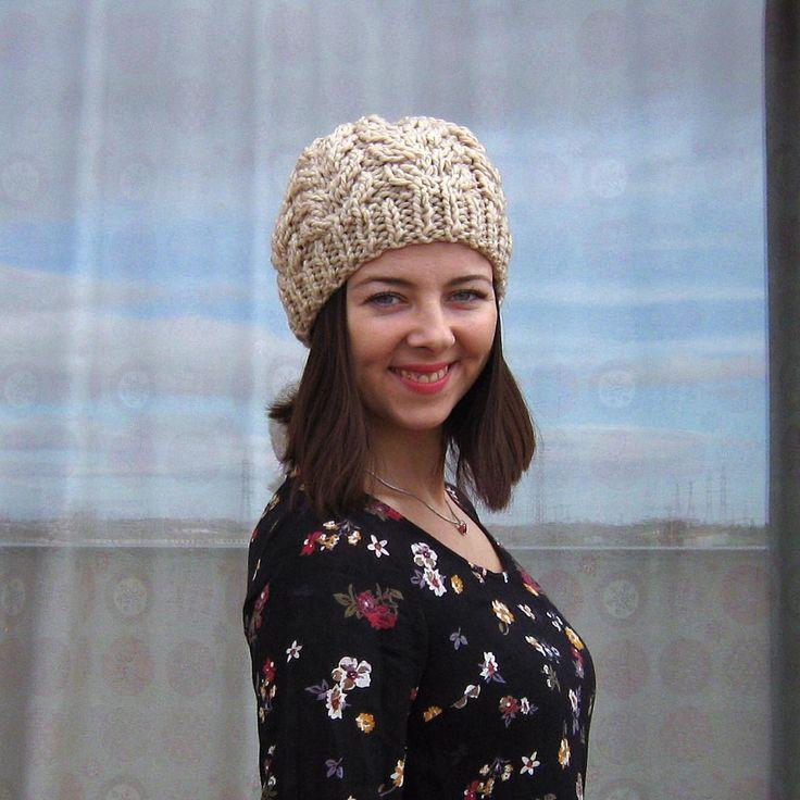 Hello! 🌾 #KLMN #AsyaKlimina #knitting #crochet #madrid #leganes #spain #winter #autumn #look #mood #lookoftheday #scarf #heat #love #lovemyjob #handemade #fashion #fashionlook #cardigan #forgirls #mystile #craft #craftfashion #fromrussiawithlove