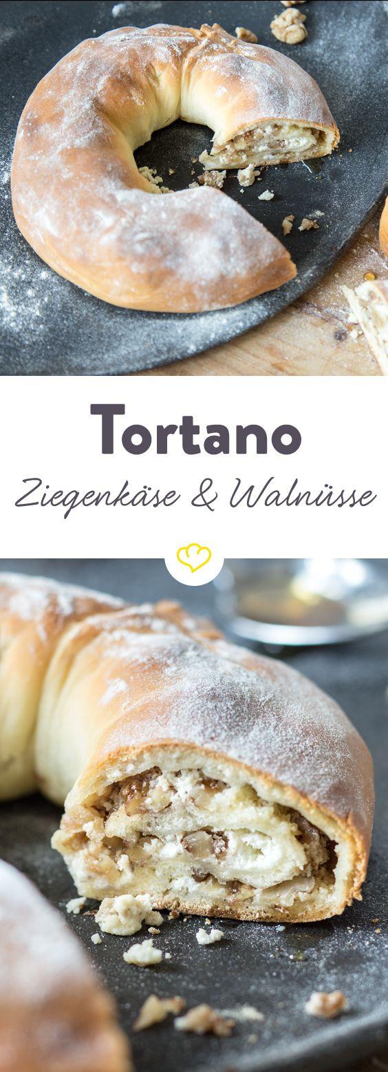 Die beste Pizza-Empfehlung seit langem: Tortano. Aber das ist doch gar keine… Pizza? Oh doch. Und was für eine! Wir nennen es einen Pizzakranz gefüllt mit Ziegenkäse, Honig und Walnüssen. Einfach herrlich!