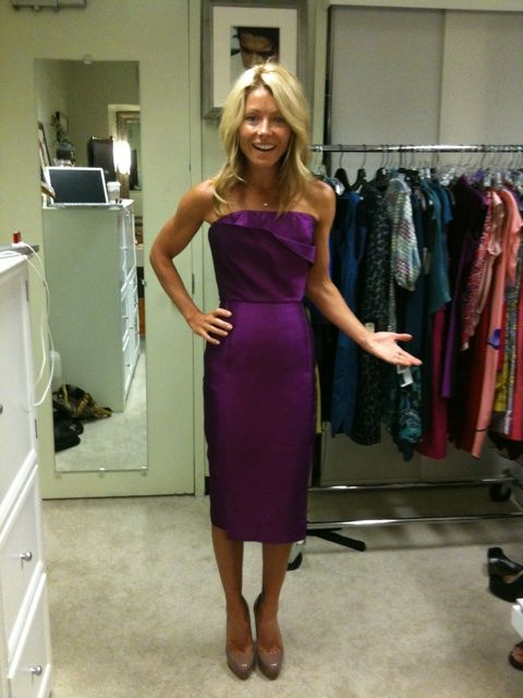 Kelly Ripa Twitter   kelly ripa at a fitting picture from her twitter
