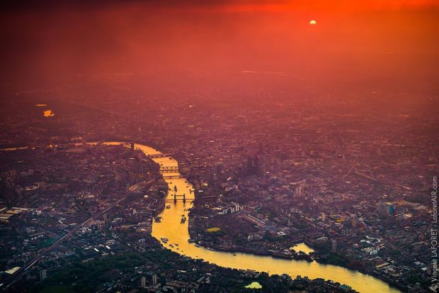 Epic Aerial Shots of London by Vincent Laforet - UltraLinx
