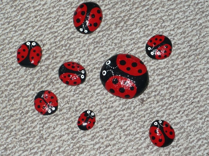 stone ladybugs...Agape Ideas, Fridge Magnets, Stones Ladybugs I, Crafts Ideas, Creative Ideas, Stones Ladybugs Put, Ladybugs Rocks, Kids, Crafty Ideas