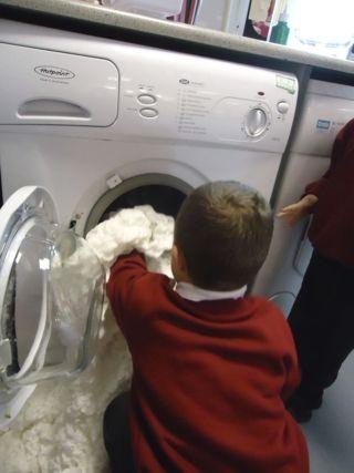 nursery and reception children using electrical items #abcdoes #eyfs #teachingideas