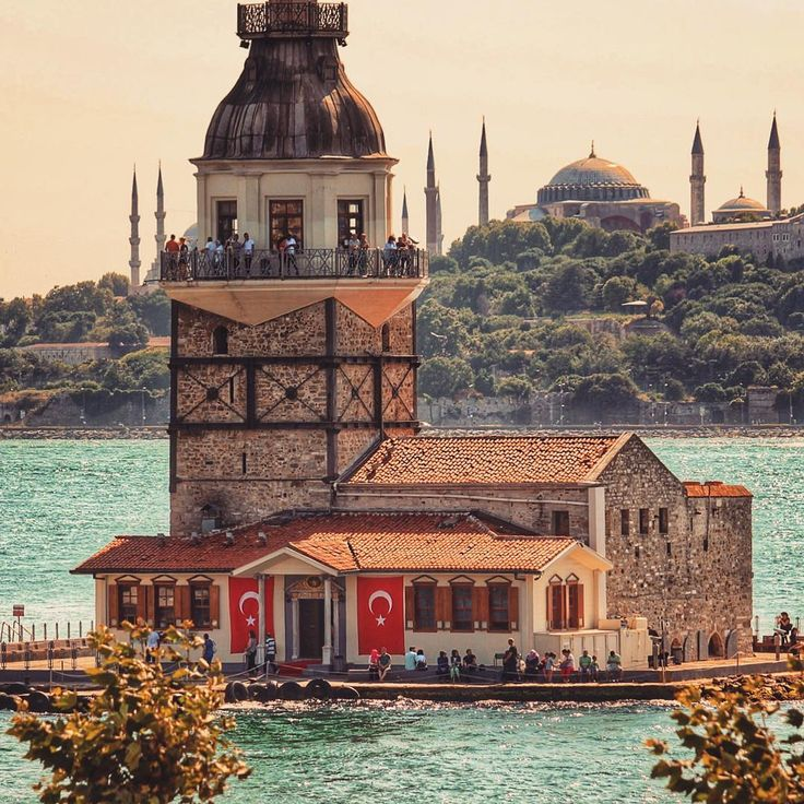 #maidenstower #uskudar #istanbul // photography by Abdullah ŞAHİN (@abdullahshhn) • Instagram photo