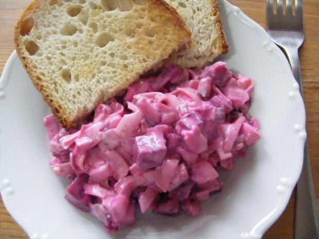 Velmi chutny salatik na olovrant , alebo veceru.